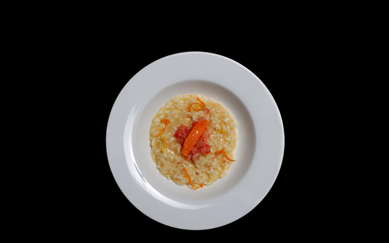 Risotto agli agrumi con tartare di gambero rosso