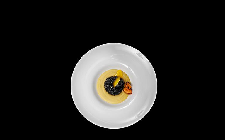 Uovo nero in pochette