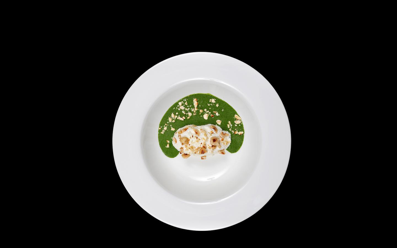 Vellutata di spinaci con ricotta e nocciole
